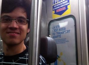 Photo de Julien Gascon-Samson dans le métro de Montréal